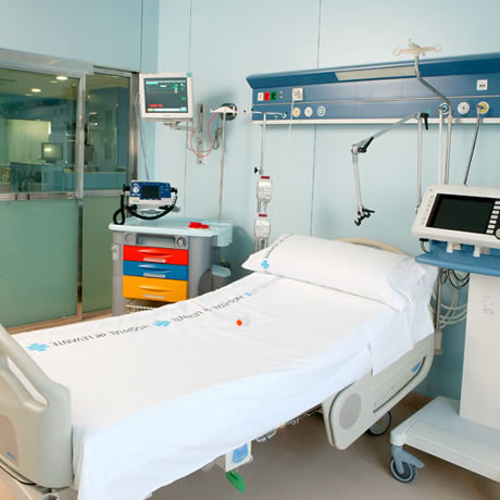 Cuidados intensivos en el hospital IMED Valencia