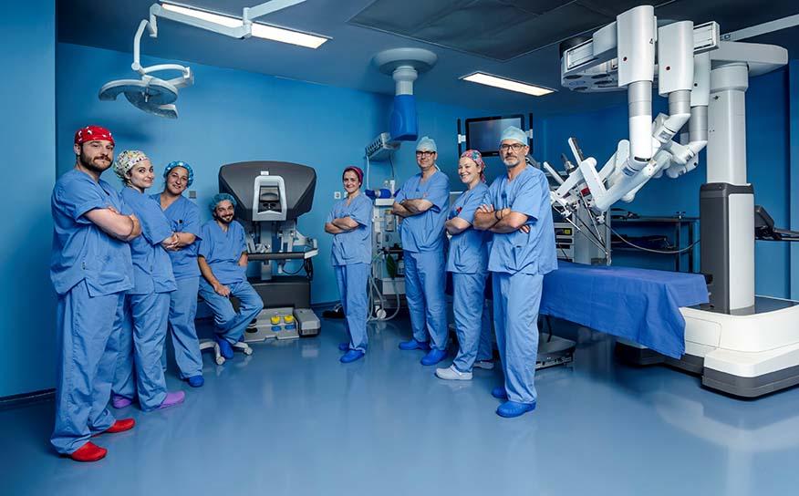 [ES][OR] Equipo cirugía robótica IMED Valencia