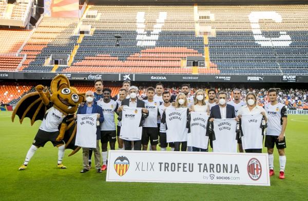 Homenaje del Valencia CF a IMED